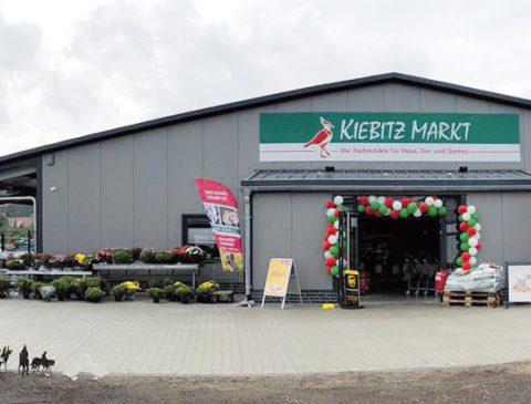NBB news 53 · 12/2018 21 Große Neueröffnung des Kiebitzmarktes in Dörpen